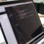 Notebook mit geöffnetem Code Editor